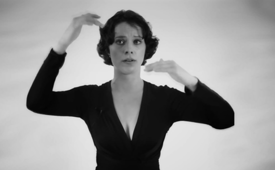 Anne-Maria Hefele makes wonderful polyphonic overtone music