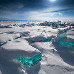 Emerald-colored ice
